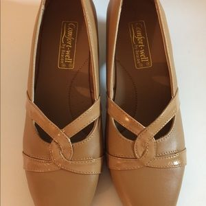 Comfort Well by Beacon Womens Pumps 7.5 Heel short